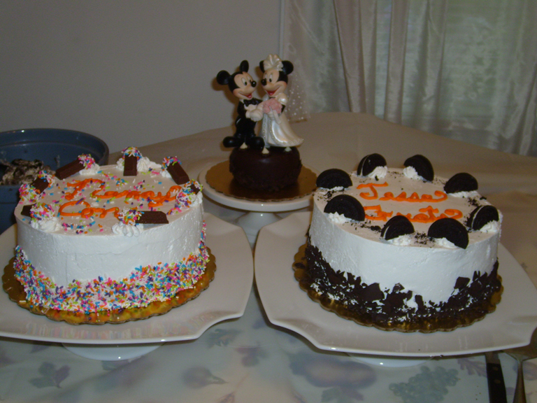 Our wonderful Coldstone cakes - yum!